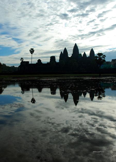 Tìm hiểu quần thể đền Angkor Bí ẩn của Campuchia