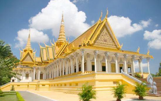 Cung điện hoàng gia Campuchia nguy nga lộng lẫy