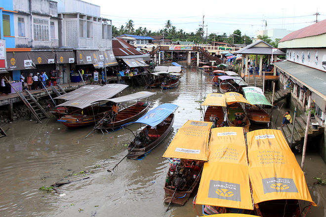 Amphawa Chợ nổi ẩm thực hải sản ở Thái Lan