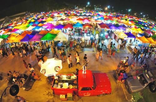 Tham quan chợ đồ cổ sắc màu tại Bangkok – Thái Lan