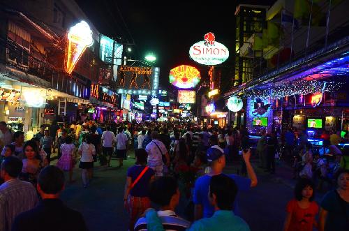 Du lịch đến với Thành phố chùa tháp Vàng Thái Lan – Pattaya