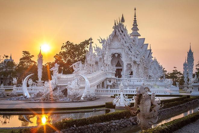 Ngôi đền trắng Wat Rong Khun mang vẻ đẹp huyền ảo – Thái Lan