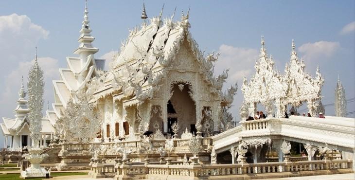 Kiến trúc lạ mắt của ngôi đền trắng tại Thái Lan