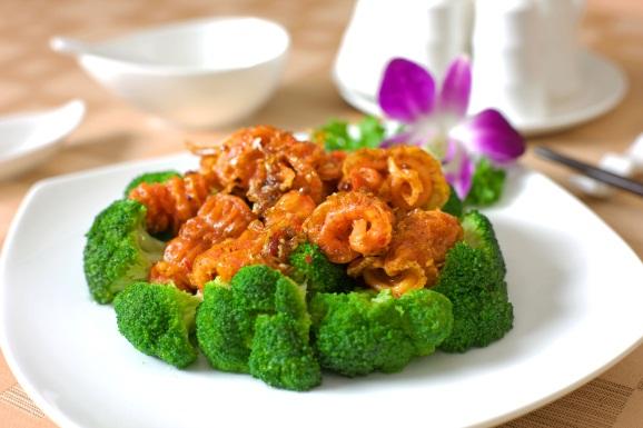 Thưởng thức vị ngon của món hải sâm Phú Quốc