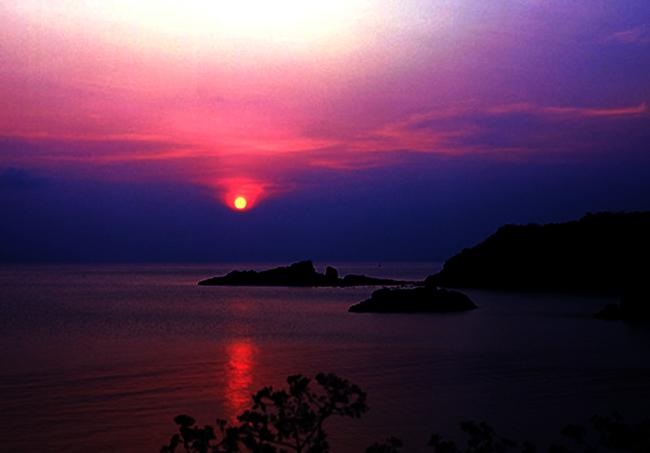 Ngắm cảnh bình minh khi du lịch tại Côn Đảo