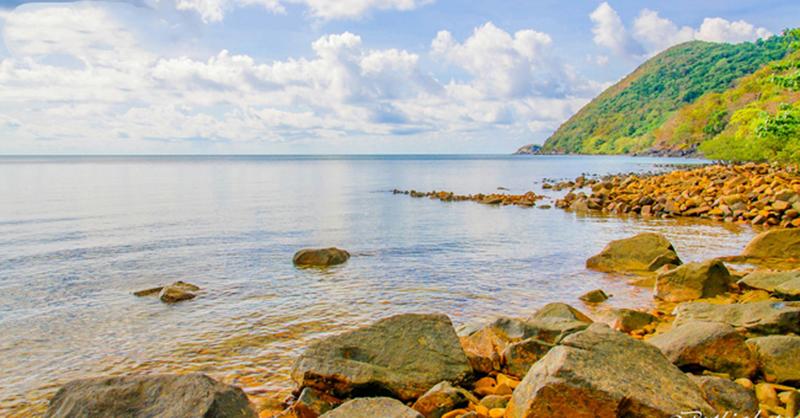 Ghé thăm bãi Ông Đụng khi đến du lịch tại Côn Đảo