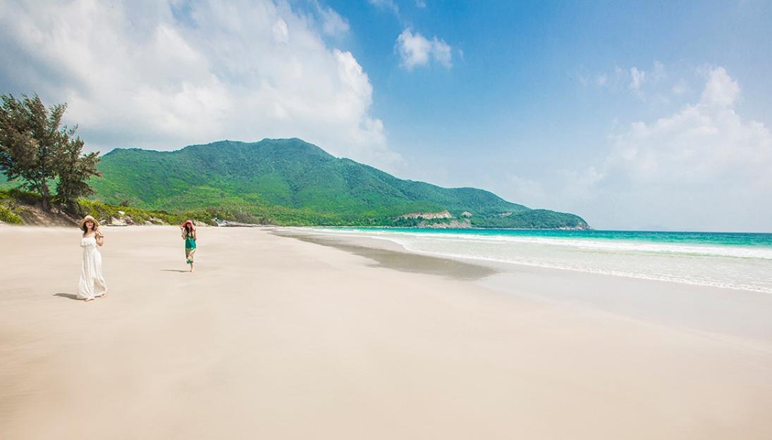Khám phá vẻ đẹp của Bãi Dài khi đến du lịch tại Nha Trang