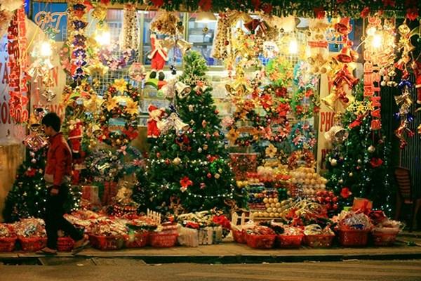 Những địa điểm lý tưởng nhất để tận hưởng không khí Giáng Sinh tại Sài Gòn