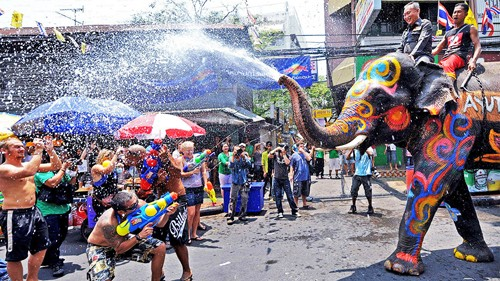Lễ hội té nước Songkran – bạn đã trải nghiệm chưa?