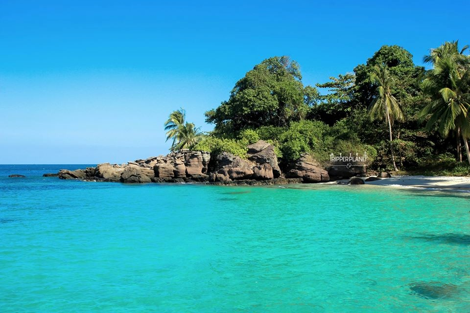 Tận hưởng khung cảnh đẹp, trong xanh ở Hòn Móng Tay, Phú Quốc