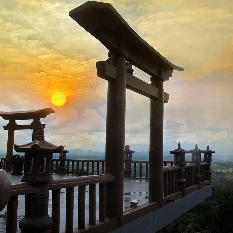 Cổng trời tráng lệ ở Lâm Đồng giống như bạn ở Nhật Bản