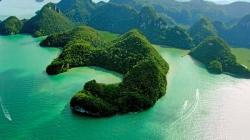 """Du lịch Malaysia tham quan hồ """"trinh nữ thụ thai"""""""