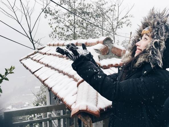Rủ nhau đi ngắm tuyết phủ trắng mọi nơi ở Sapa
