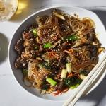 Bánh cá chiên, miến trộn Hàn Quốc và các món ăn ngon vào dịp Tết